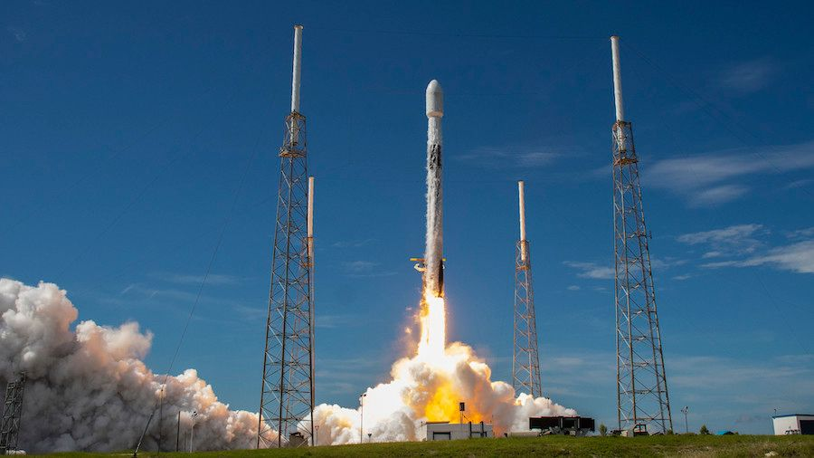 Images: SpaceX launches more Starlink satellites, catches rocket's payload fairing