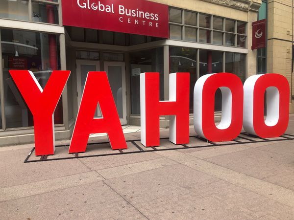 Yahoo Japan, Line to merge business to form online giant