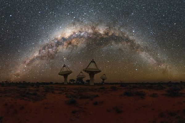 WILL RADIO BURSTS REVEAL HIDDEN BARYONS?