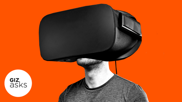 Why Are VR Headsets So Bulky?