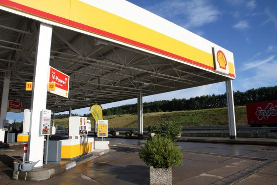 Shell to cut up to 9,000 jobs worldwide, in drive to simplify structure