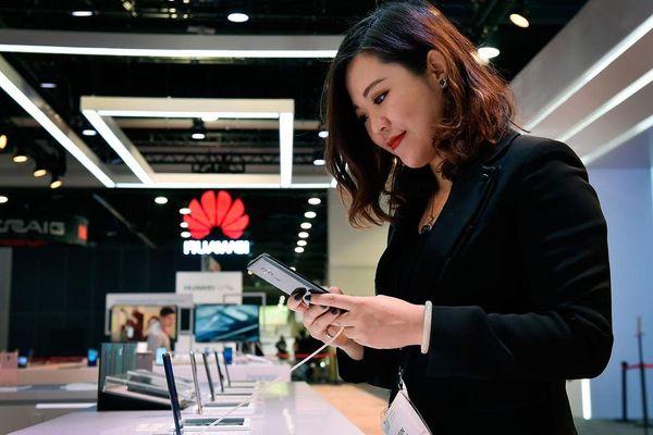 UK Government bans new Huawei 5G installation from 2021