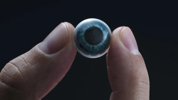 Mojo Vision launches an AR contact lens at CES 2021