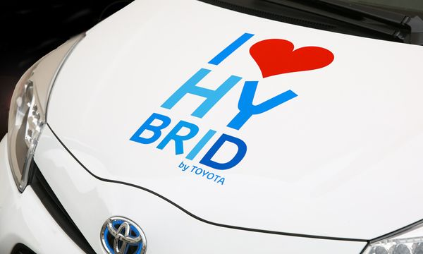 Hybrids are 14 times better than battery electric vehicles at reducing real-world carbon dioxide emissions