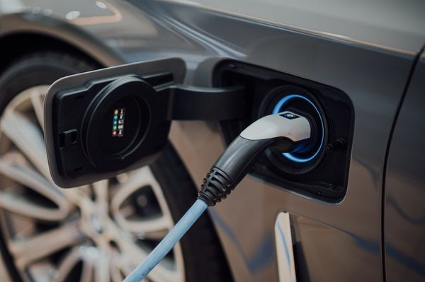 To boost emissions reductions from electric vehicles, know when to charge